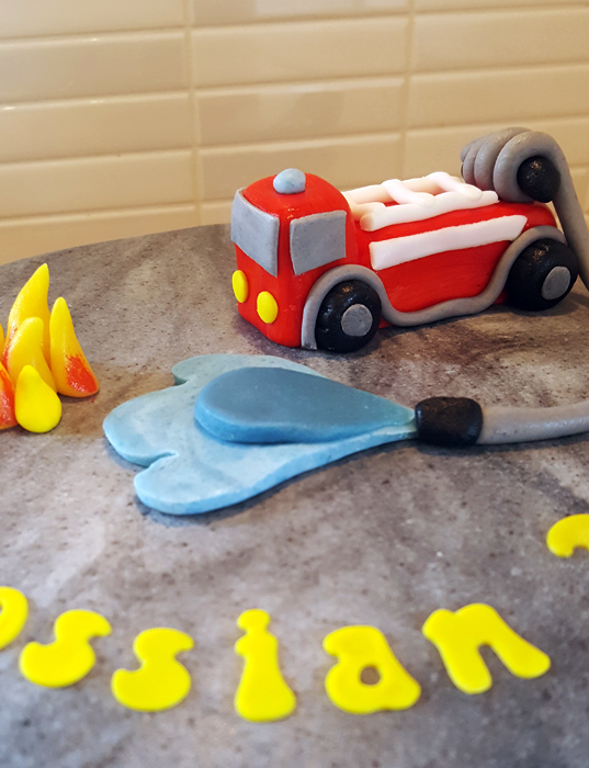 Firetruck cake - brandbilstårta