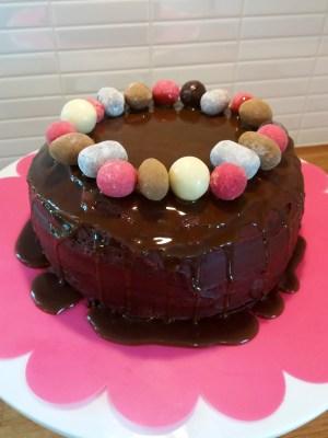 Chokladtårta med lakritskolasås