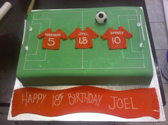 football-team-logo-cakes-cupcakes-mumbai-5