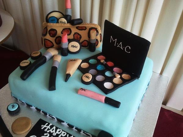 designer-bags-lv-gucci-prada-cakes-cupcakes-37