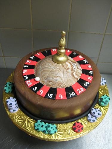 poker-cards-casino-theme-cakes-cupcakes-mumbai-1