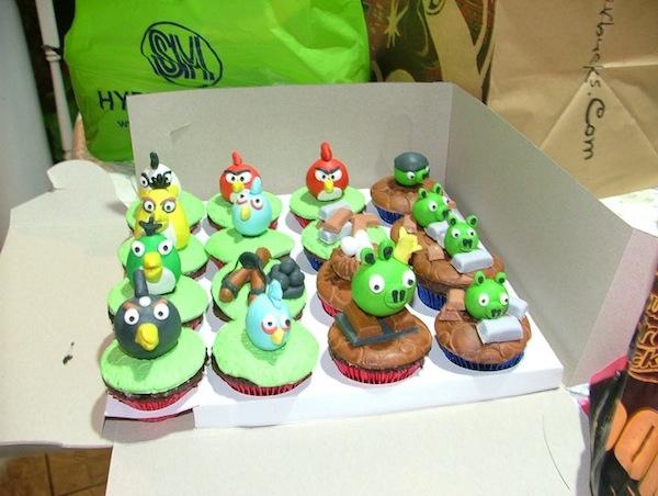 angry-birds-cakes-cupcakes-mumbai-2013-17