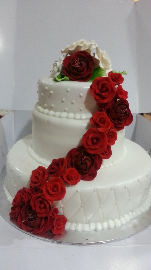 wedding-roses-theme-designer-cakes-mumbai-october-2013-34