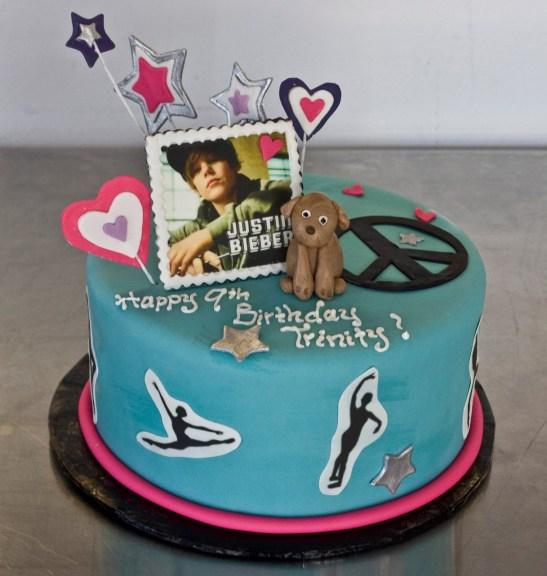 justin-bieber-love-peace-music-theme-customised-cakes-cupcakes-mumbai-buy-online-11