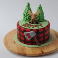 Canadiana Moose Cake