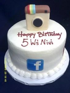 Social Media themed cake