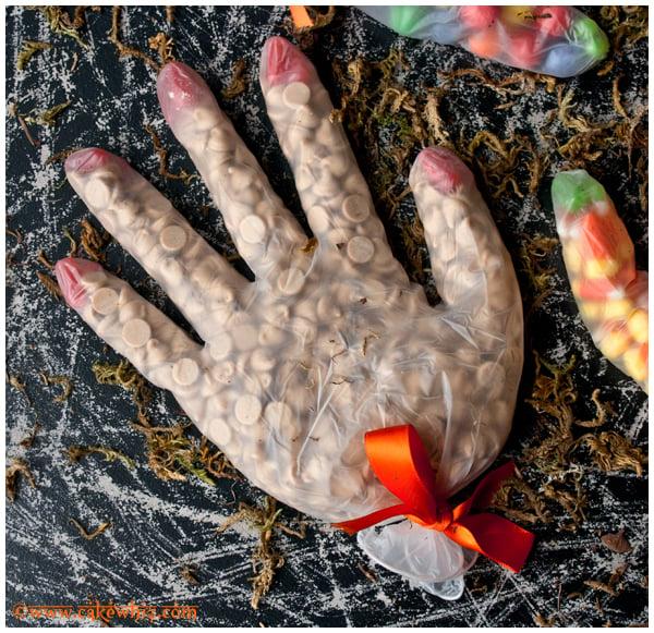 halloween glove treat bags 2