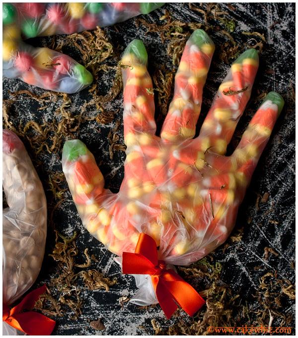 halloween glove treat bags 3