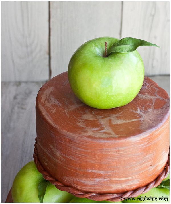 fall themed tiered apple cake 5