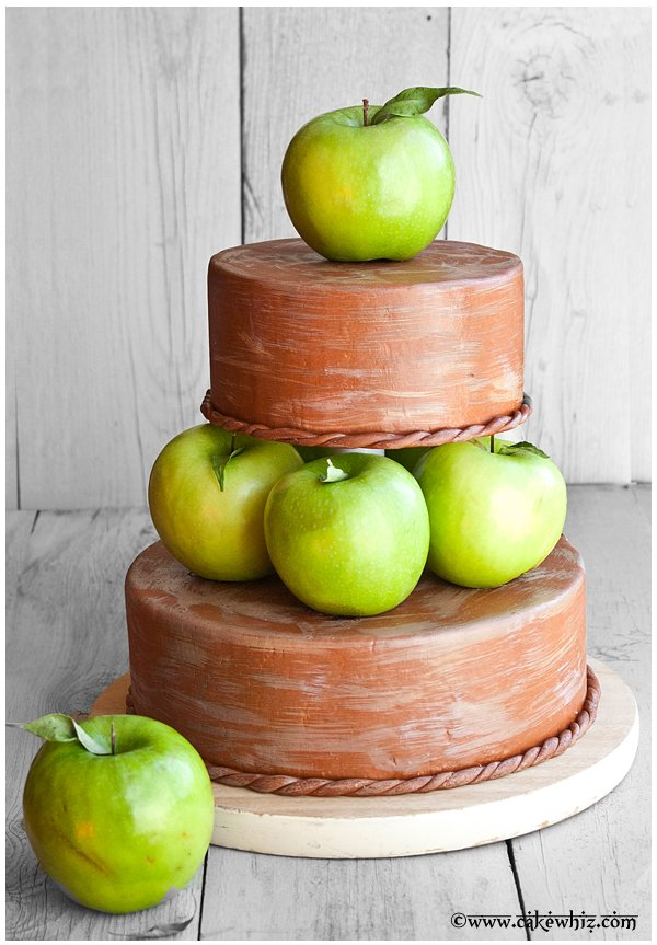 fall themed tiered apple cake 1