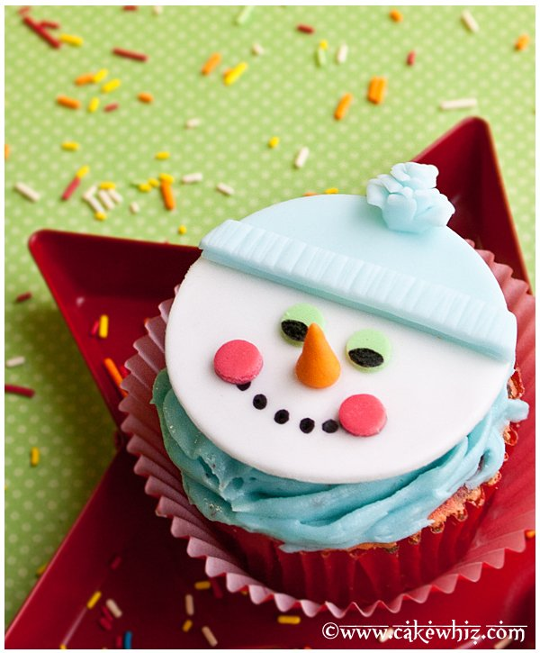 Easy Snowman Cupcakes (Snowman Cupcake Toppers)
