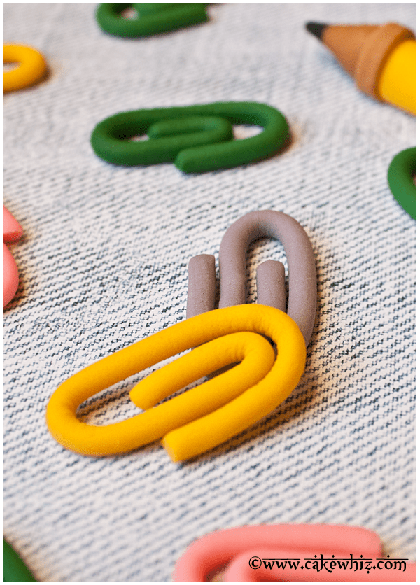 how to make fondant paper clips 3