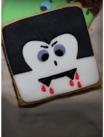 How To Make Easy Dracula Cookies (Vampire Cookies)