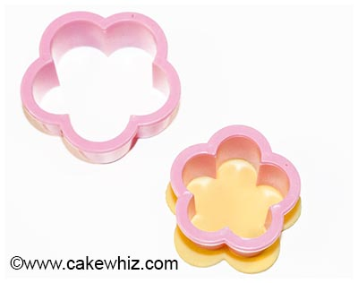 how to make easy fondant buttons 25