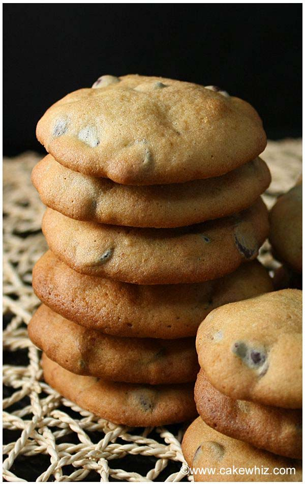 banana cashew and chocolate chip cookies