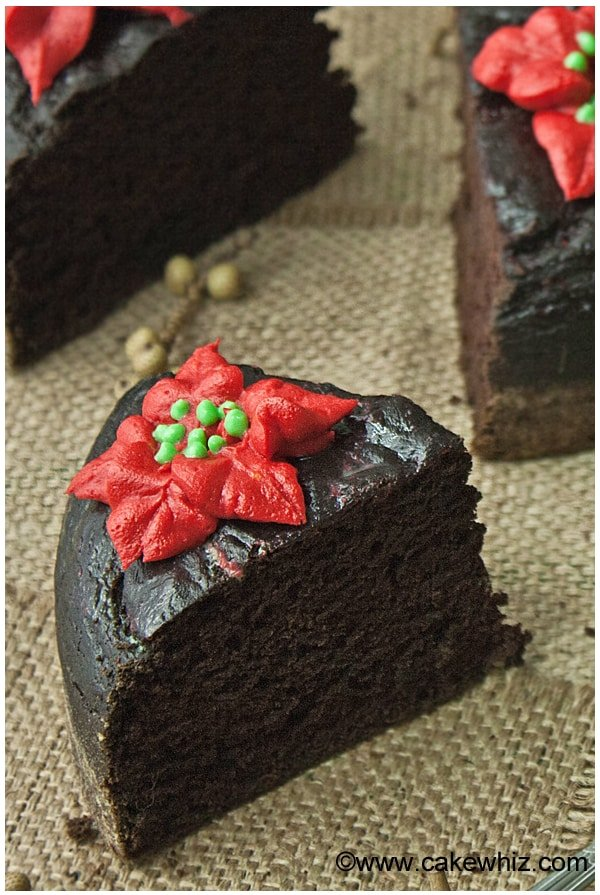 fat free chocolate cake with poinsettias 02