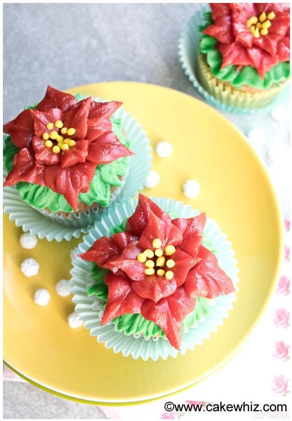 easy poinsettia cupcakes 1