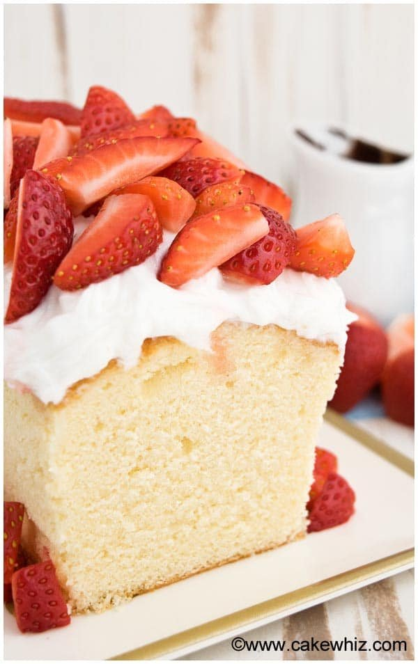 Classic Sour Cream Pound Cake Recipe