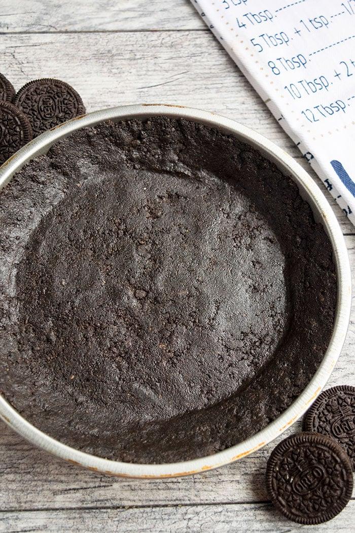 No Bake Oreo Pie Crust Recipe (2 Ingredients)