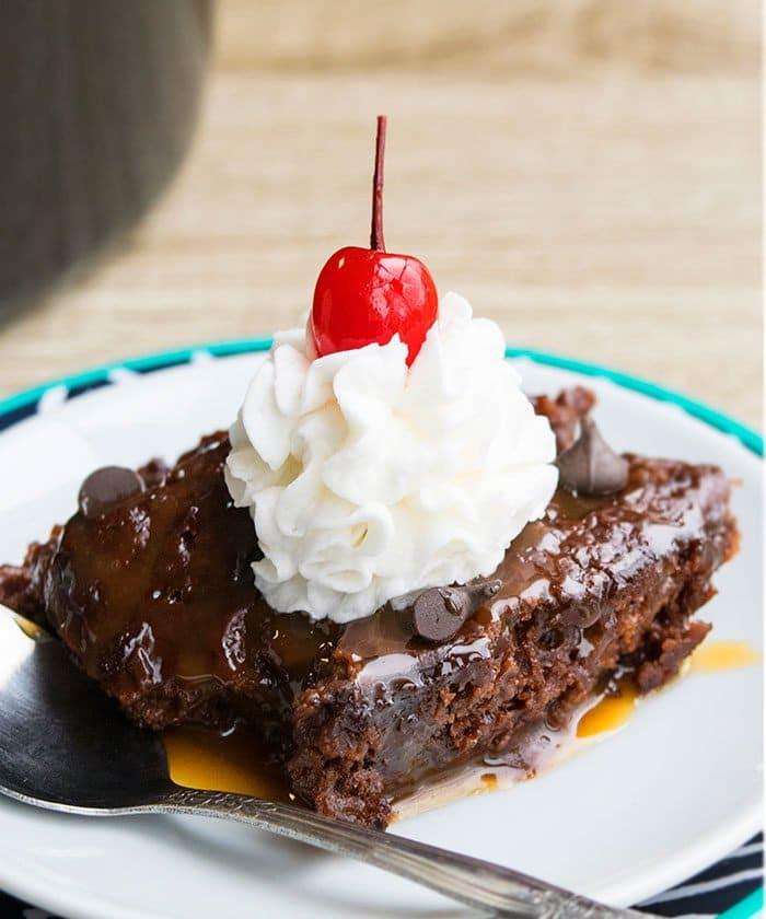 Easy Crockpot Chocolate Molten Lava Cake With Cake Mix