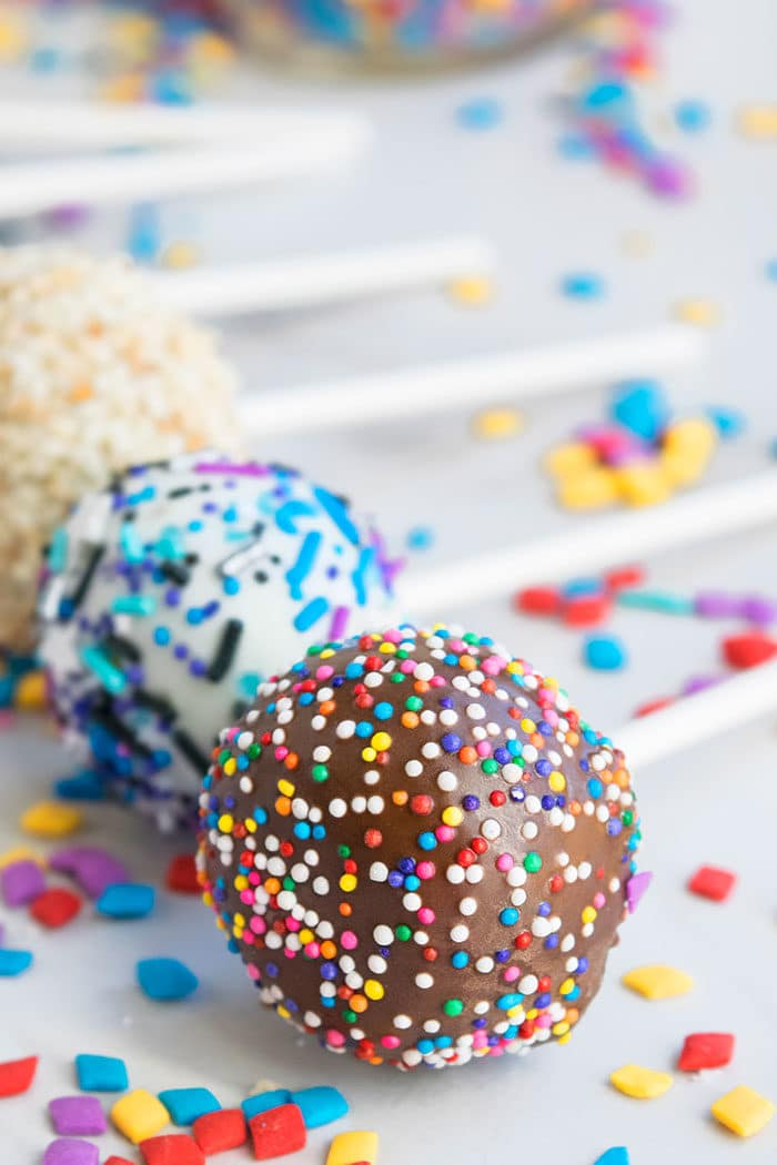 Easy Homemade Chocolate Cake Pops Recipe/ Tutorial