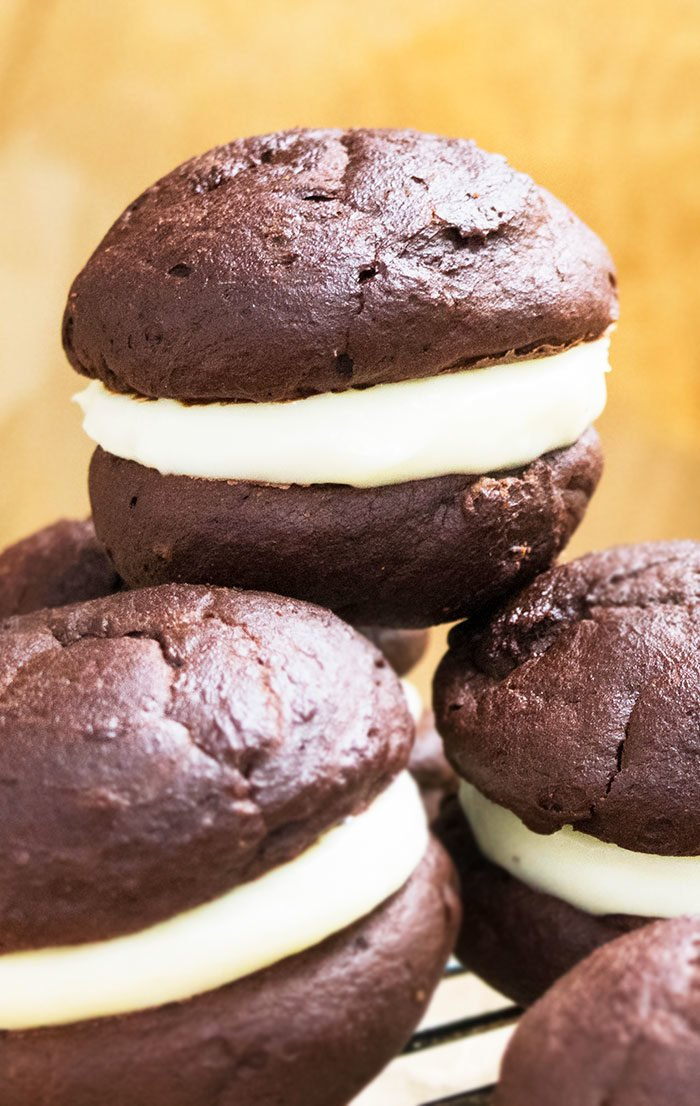 Chocolate Whoopie Pie Recipe with Marshmallow Filling