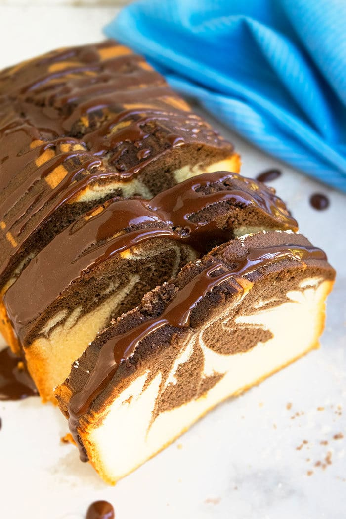 How to Make Marble Cake With Chocolate Ganache