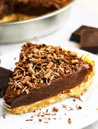 Easy Chocolate Peanut Butter Pie Recipe (No Bake)
