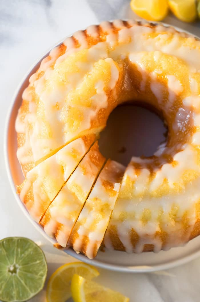 Classic 7 Up Cake With Vanilla Glaze