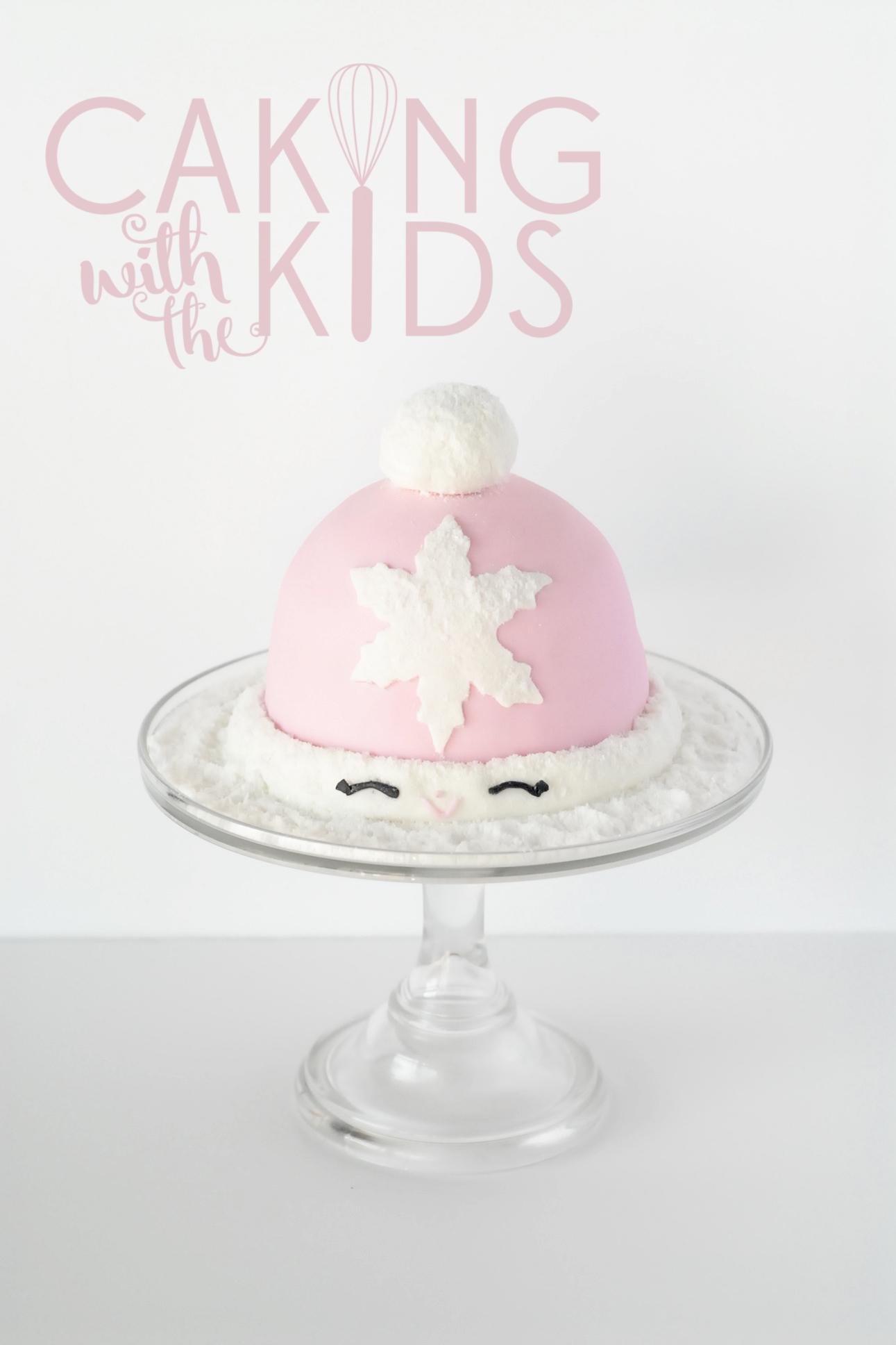 Christmas cake, snow hat cake, wafer snow, first fondant cake,