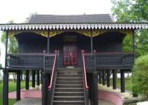 rumah adat jambi