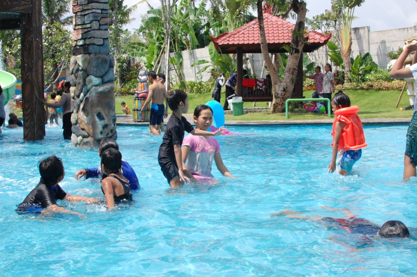 waterpark tirtasani