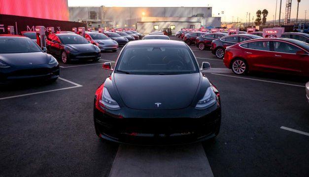 Antara Elon Musk, Tesla Model 3, dan Semangat Mengubah Dunia