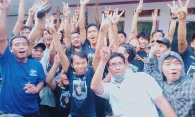 nomor urut 2 dengan warna bendera Biru Emboy Cahyana, yang terpilih secara demokrasi di Desa Selaraja Kecamatan Warunggunung, Kabupaten Lebak