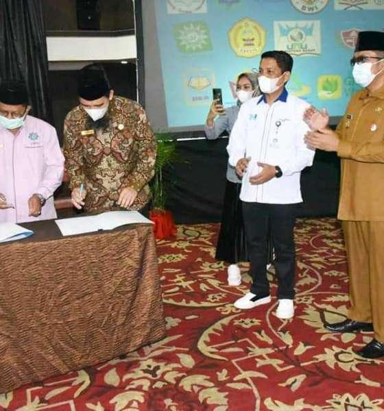 Walikota Padang membuka kegiatan optimalisasi potensi wakaf dalam meningkatkan pertumbuhan ekonomi, guna mewujudkan masyarakat madani.