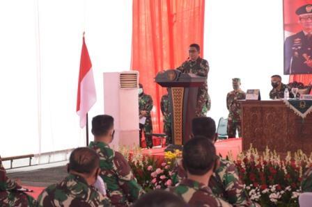 Pangdam saat memberikan pengarahan di Kabupaten Malang
