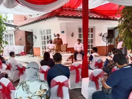 Wakil Wali Kota Surabaya Armudji saat mennyerap aspirasi warga dari rumah dinas
