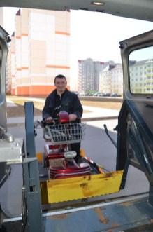 Oleg im Auto 1