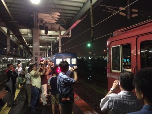 函館駅 機関車付け替え