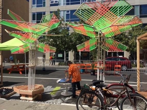 Sacramento's event, on 9th street near the Capitol, was well-permitted and well-attended. Some participants experimented with new kinds of shade (these made of plastic ribbons). Photo: Melanie Curry/Streetsblog