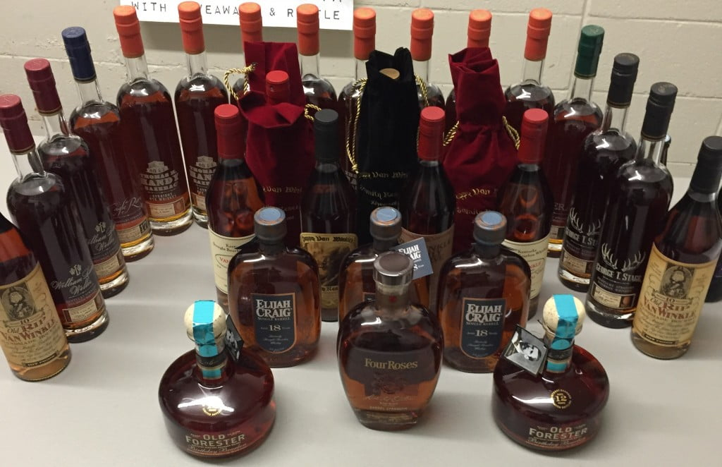 Christmas Liquor.Calandro S Christmas Rare Liquor Beer Event Or Pappy S