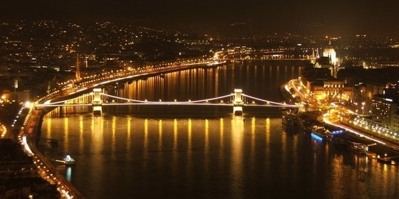 Budapesta Night View