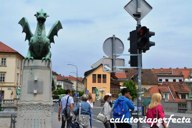 Podul cu dragoni