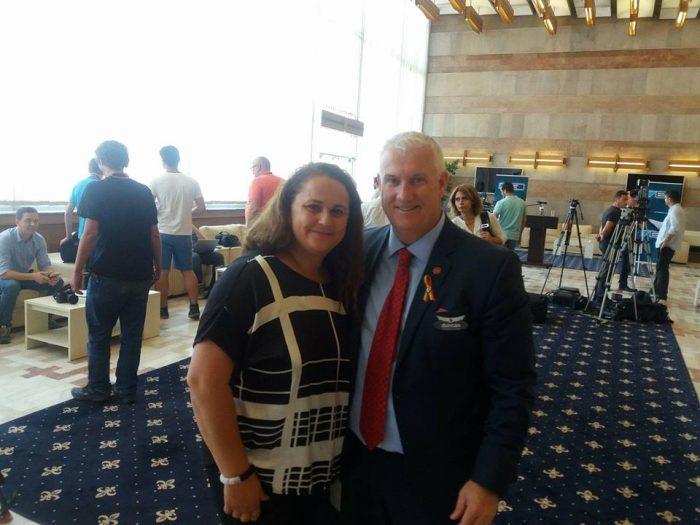 alaturi de Duncan Bureau CEO Air Canada
