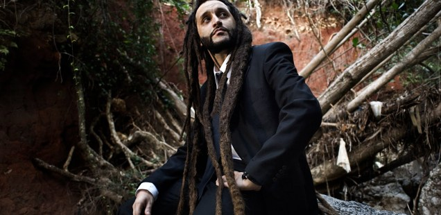 O reggae do italiano Alborosie é massa