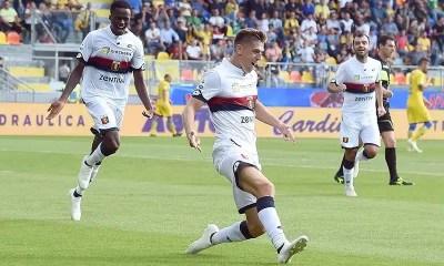 Genoa-magliat-bianca-esultanza-Piatek