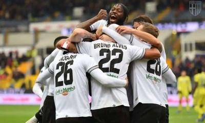 Esultanza giocatori Parma