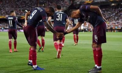 Esultanza Arsenal Lacazette Aubameyang