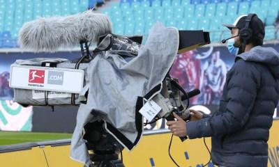cameraman tv mascherina