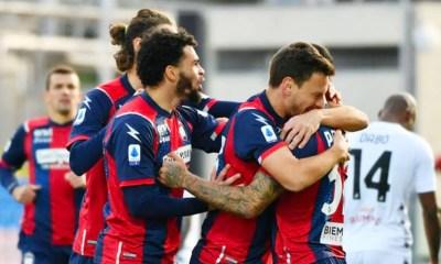 Esultanza gol giocatori Crotone